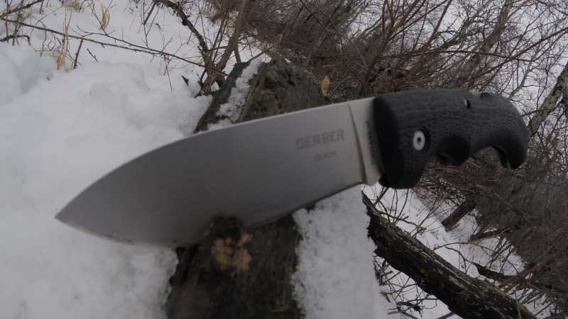 Is 154cm A good knife steel