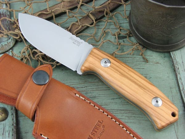 how good is m2 steel for knives